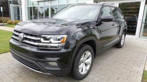 New 2018 Volkswagen Atlas SE w/ Technology