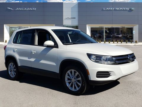 Pre-Owned 2017 Volkswagen Tiguan Limited 2.0T 4Motion